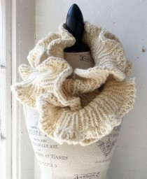 Rose Neck Ornament Cowl